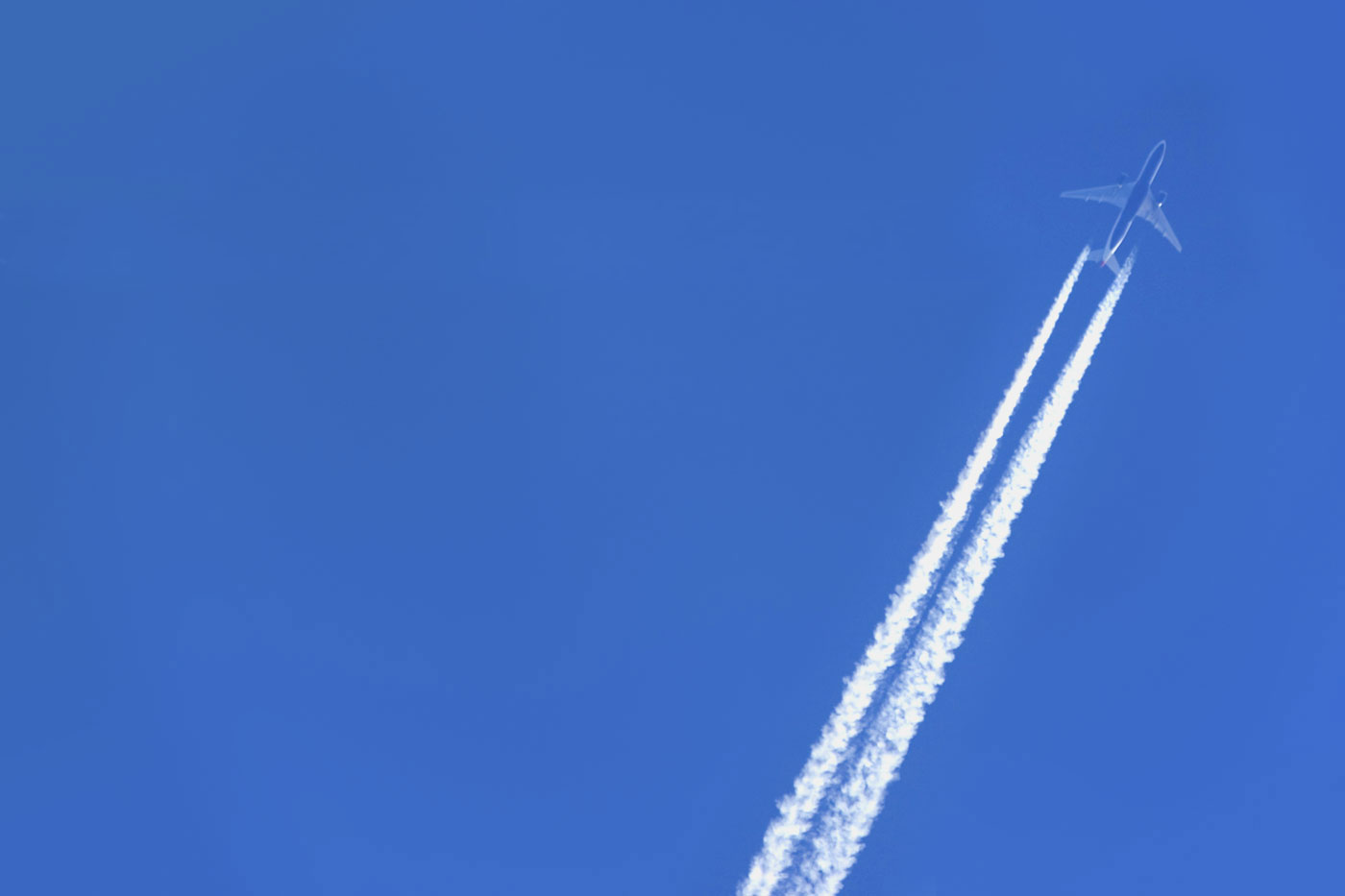 Aircraft and Aviation Contrail